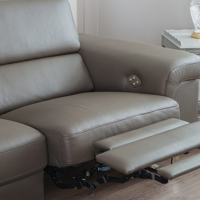 Have-You-Ever-Considered-A-Recliner-Sofa